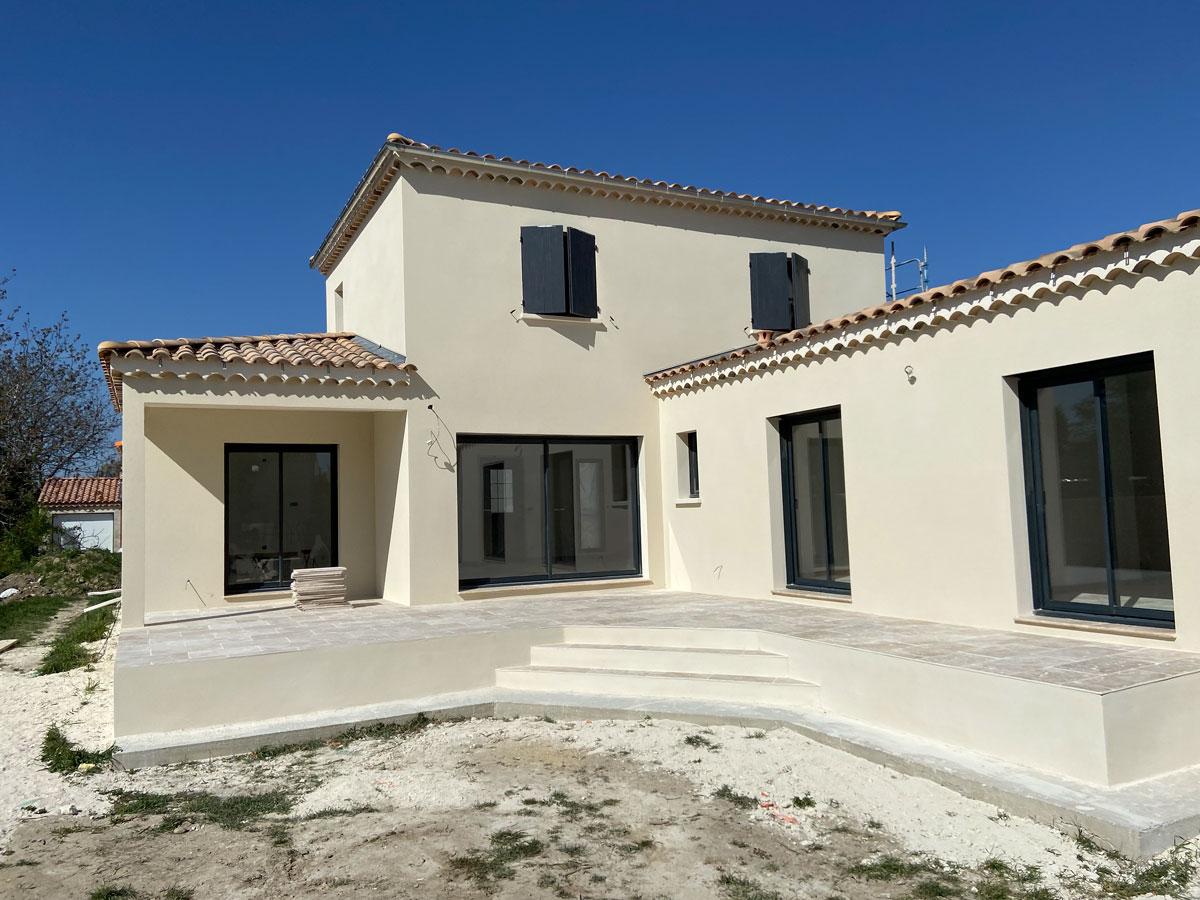 Enduit villa à Uchaux - delgadofacades.fr